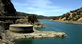 How can we make Los Angeles water self-sufficient?