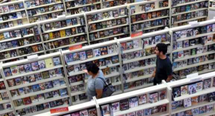 Redondo Beach video store that outlived Blockbuster to close after 25 years
